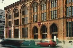 Postbank München Holz-Fenster